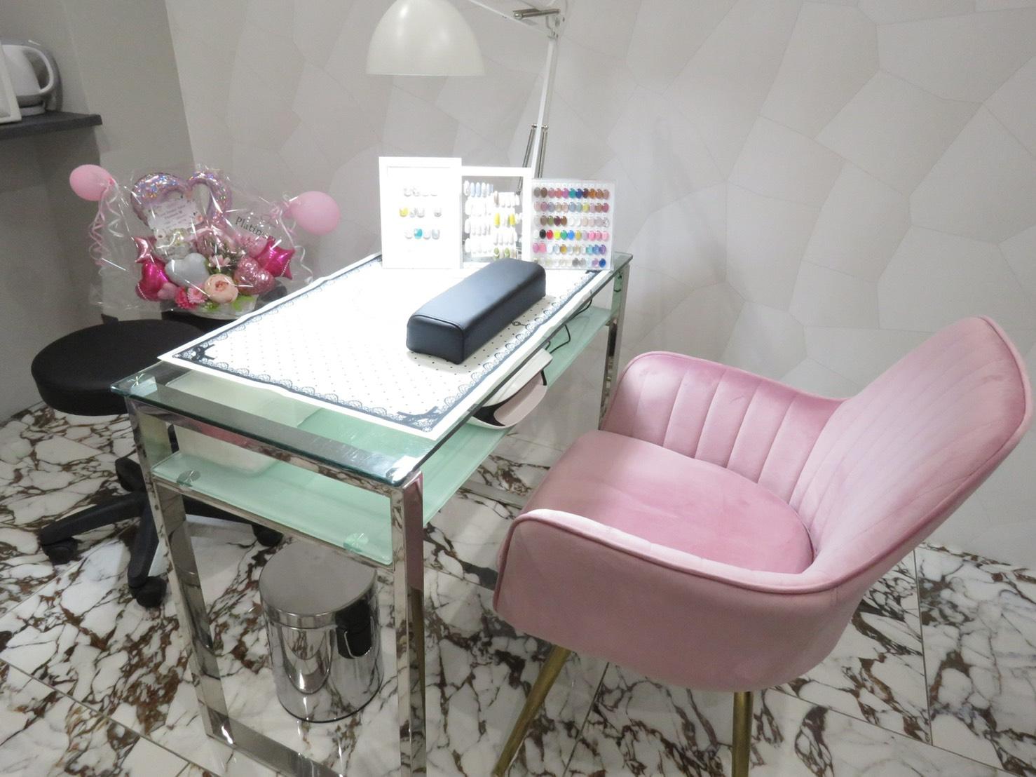 Total  Beauty  Salon . platinum